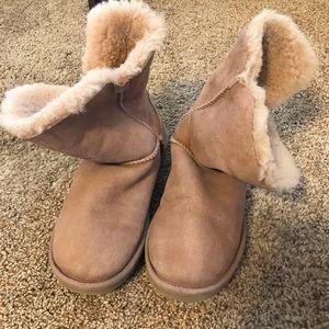 Re-Poshing Ugg Boots **Damaged**
